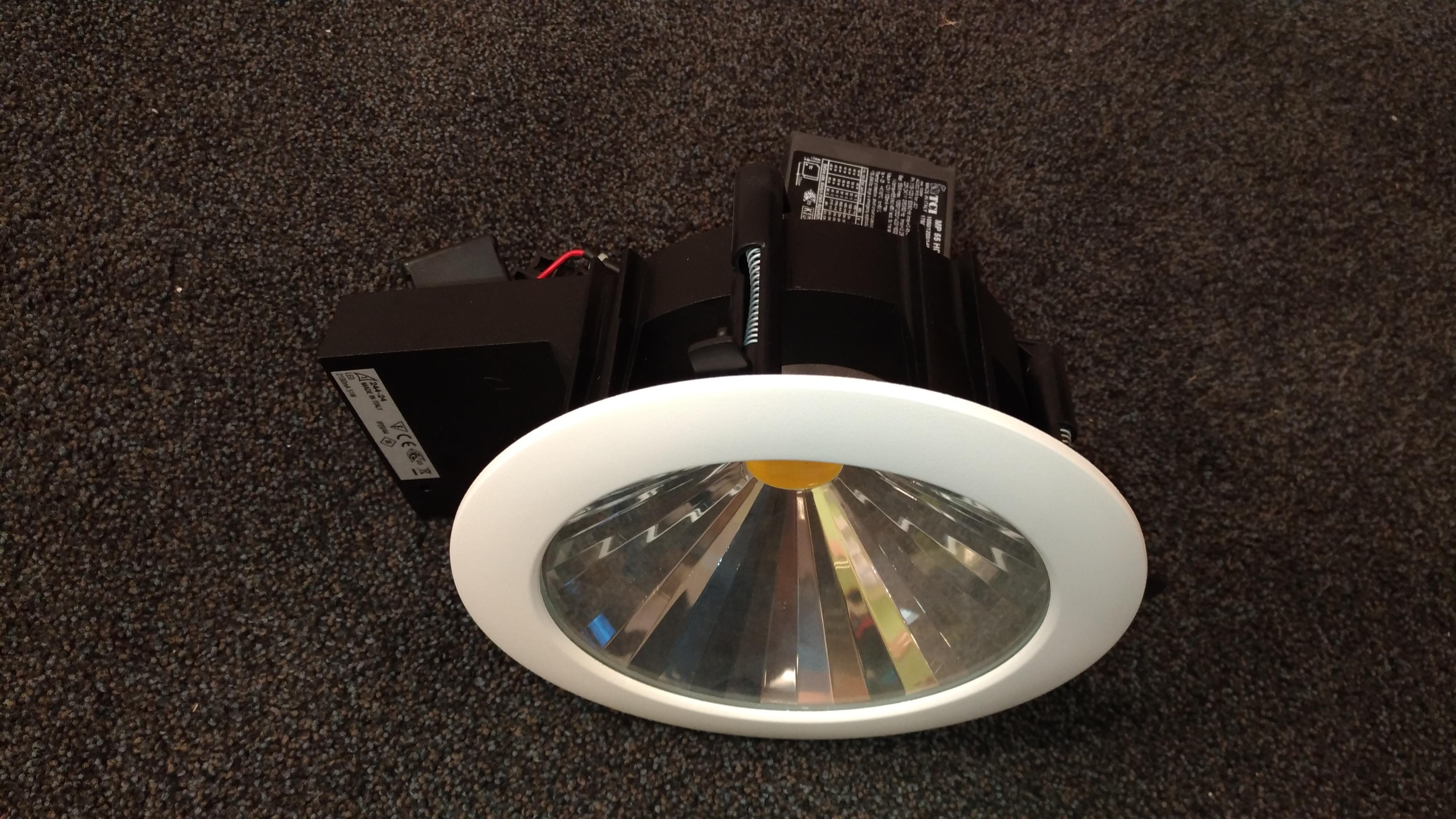 IVELA vana+RA20 DIXIT LED 4400LM 3000K ¤200 (ava 185mm) VALGE
