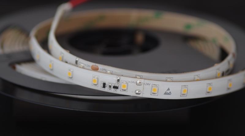 LED riba 60LED/m,4,8W(420lm)/m, L=5m, 10mm, soevalge 3000K, IP54, CC(püsivooluga), 24VDC, CRI90