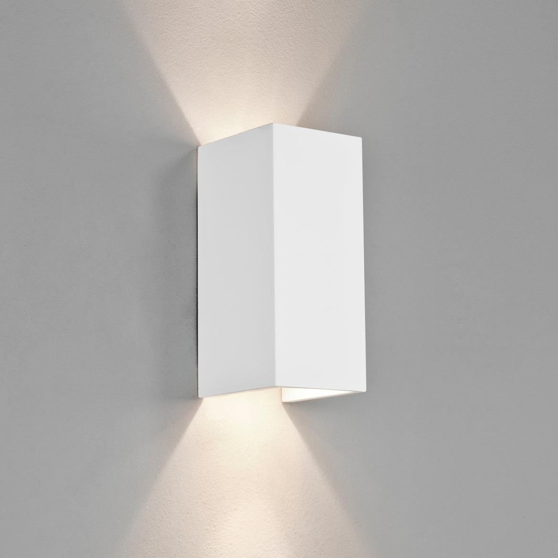 Parma 210 LED 8W 550lm 2700K IP20 seinavalgusti, hämardatav, kips