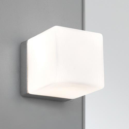 CUBE 1x40W G9 IP44, niiskuskindel lae- ja seinavalgusti vannituppa, lülitita valgusallika ei kuulu komplekti, poleeritud kroom korpus/ opaalklaas kuppel
