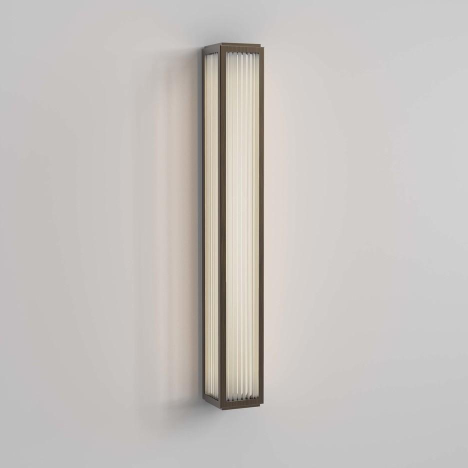 Boston 600 LED 21,9W 811lm 3000K IP44 seinavalgusti, pronks, klaasist hajuti