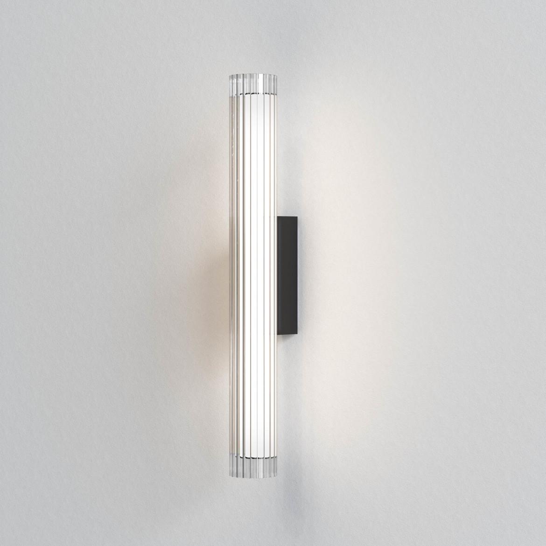 io Wall 665 LED 8,2W 825lm 3000K IP44 seinavalgusti, hämardatav, matt must, klaas