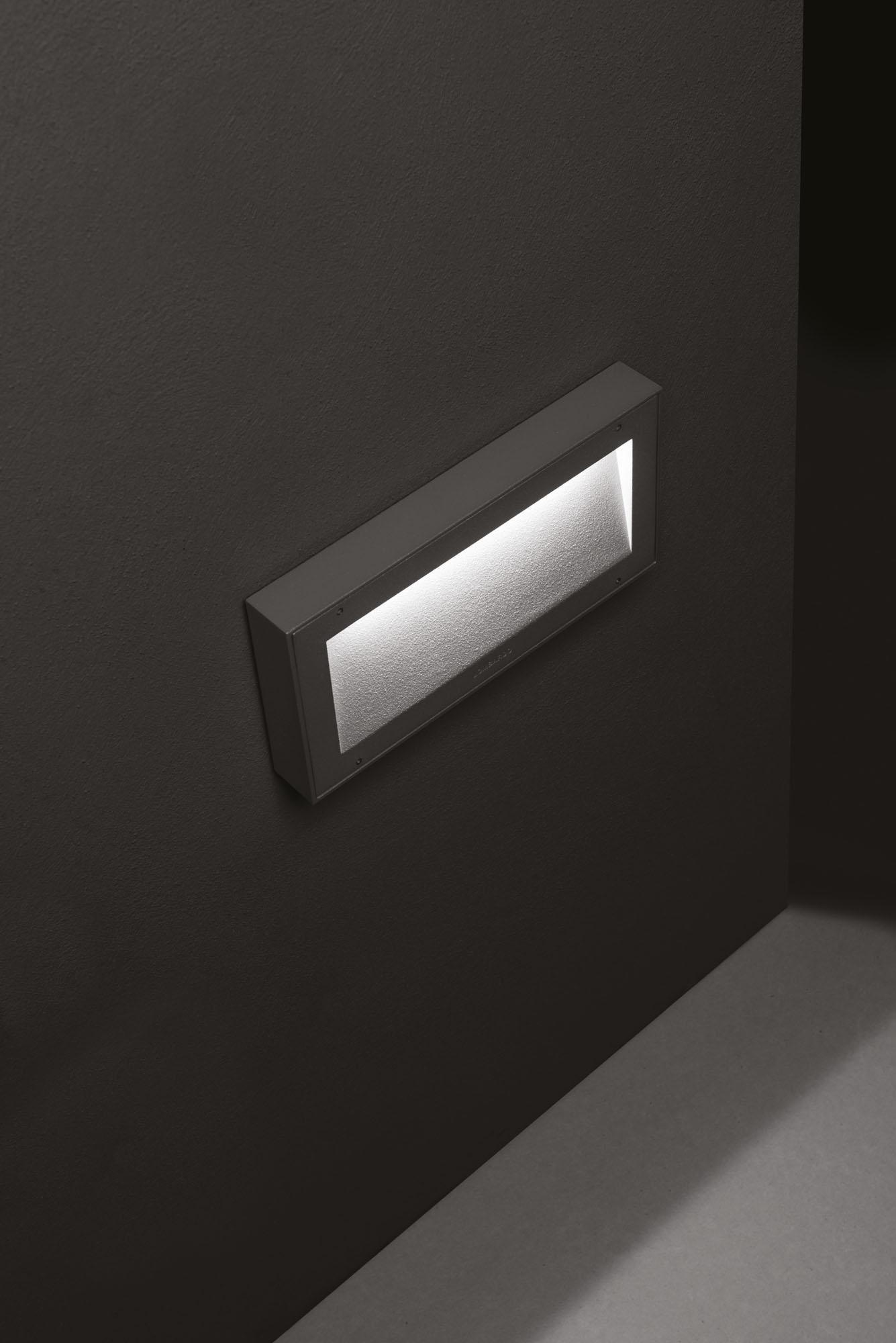 Välisvalgusti KOI 220, LED 9W 650lm 3000K, alumiinium, hall; IP66 IK10