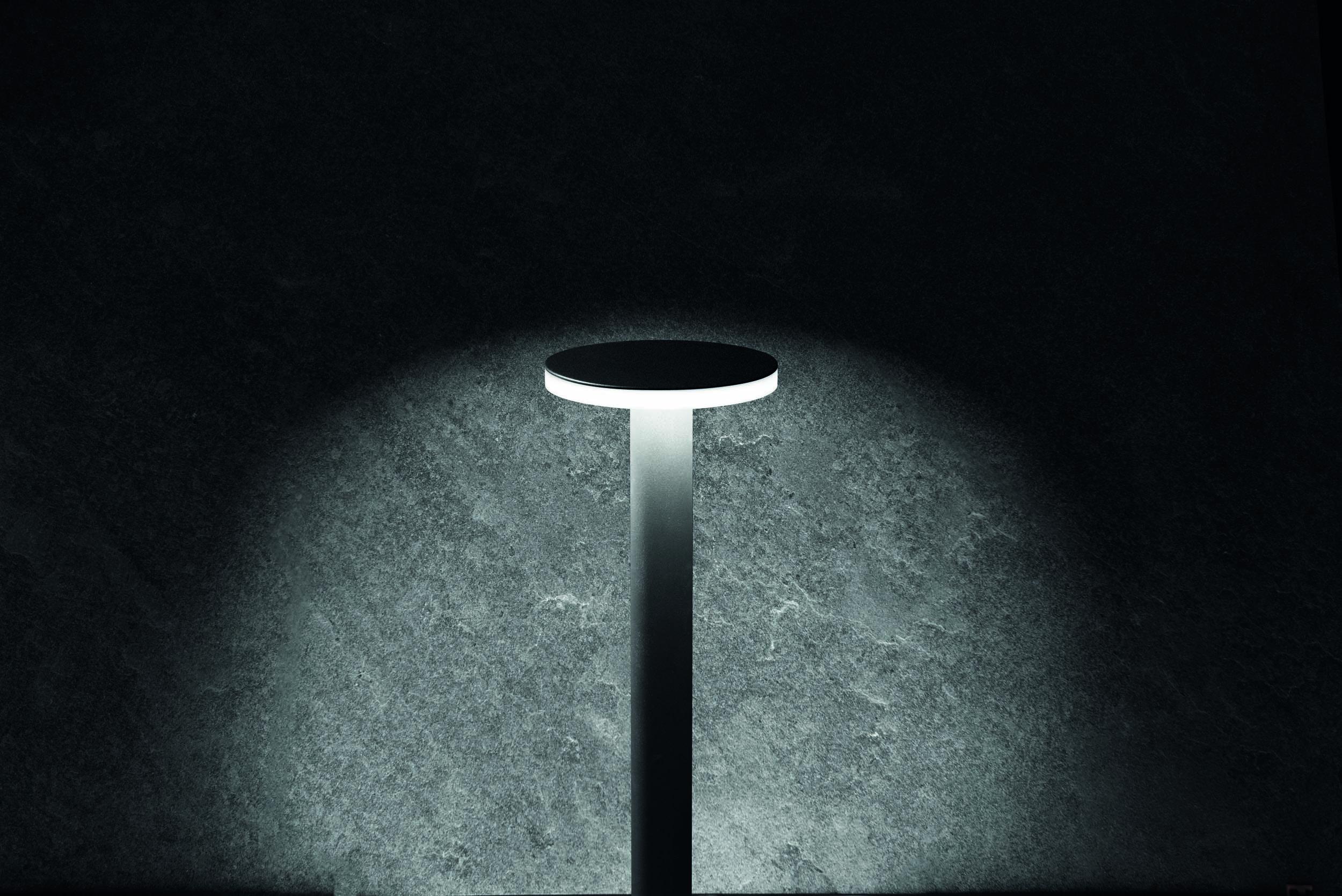 Välisvalgusti KIT-05 LINE 220 POST H500, LED 11W 864lm 3000K; alumiinium, hall / polükarbonaat (fotol on musta värvi valgusti)